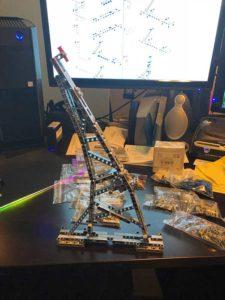 Efferman's LEGO Falcon Technic Stand
